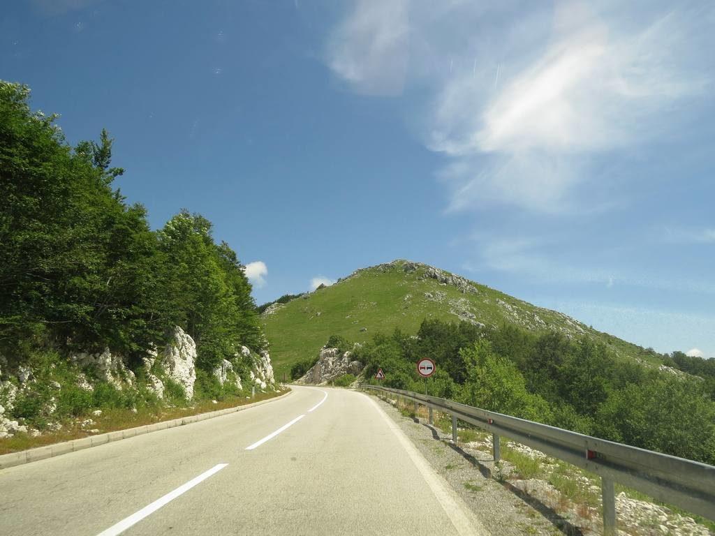 Знаки панорамных маршрутов Черногории