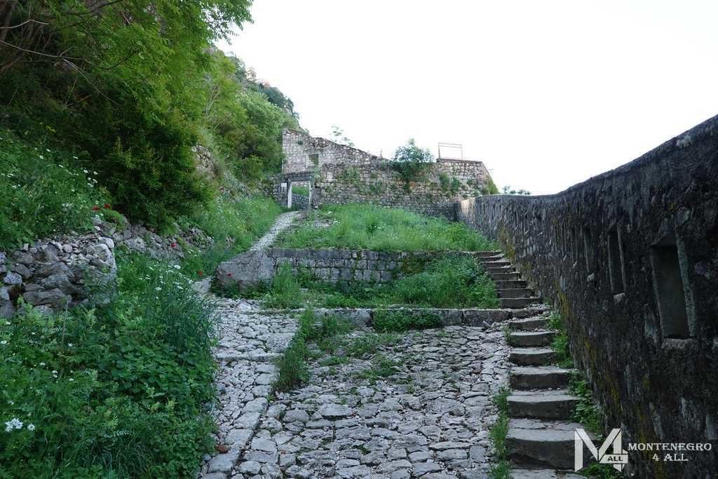 1355 ступеней крепости Святого Иоанна