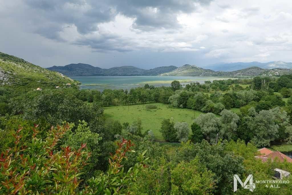 Вид с крепости на Скадарское озеро