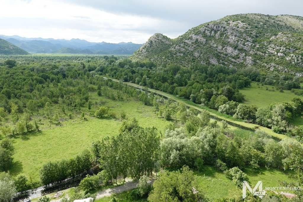 Вид с крепости на долину