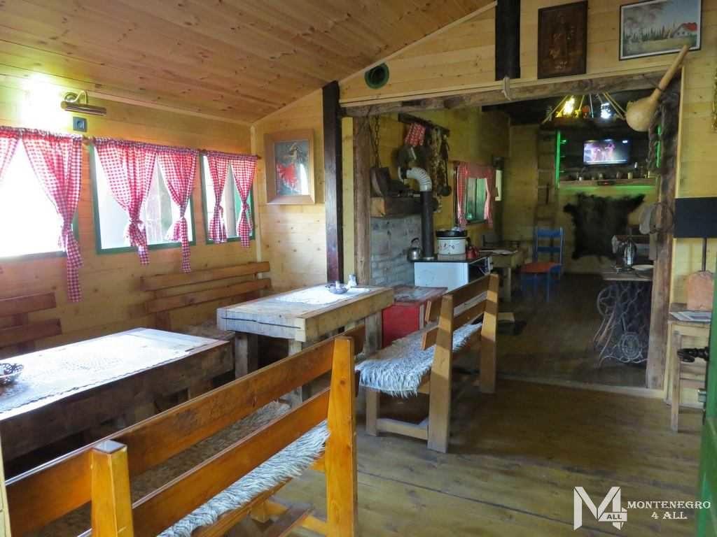 Внутренний интерьер местного ресторана