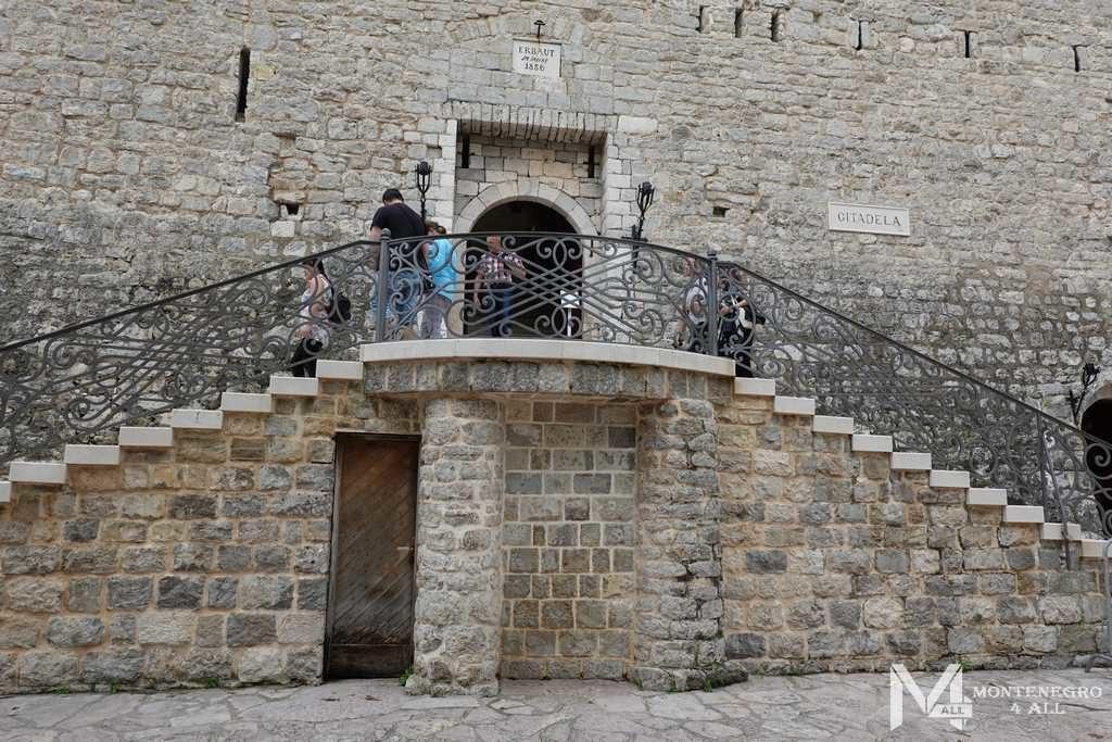 Цитадель в Старом городе Будва