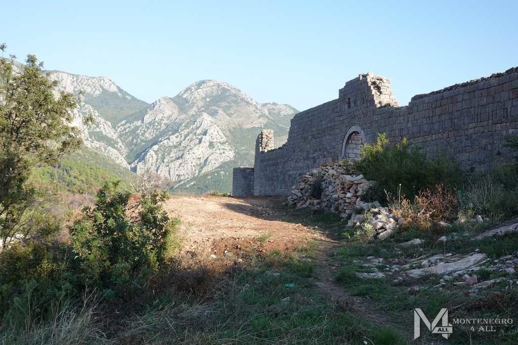 Ценральный вход в крепость