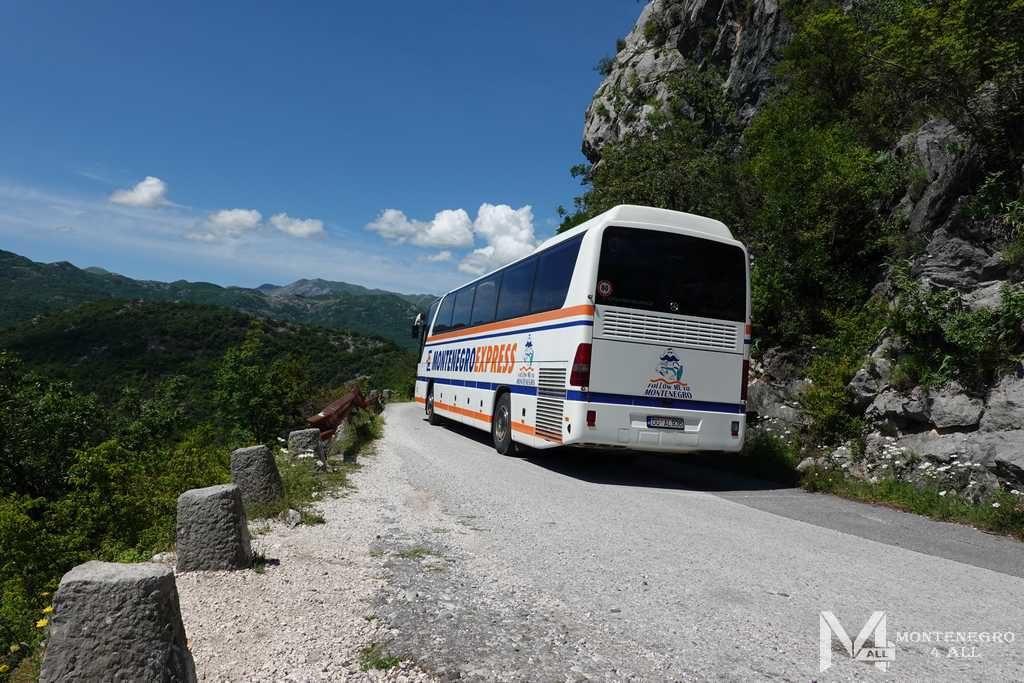 Узкие горные дороги Черногории