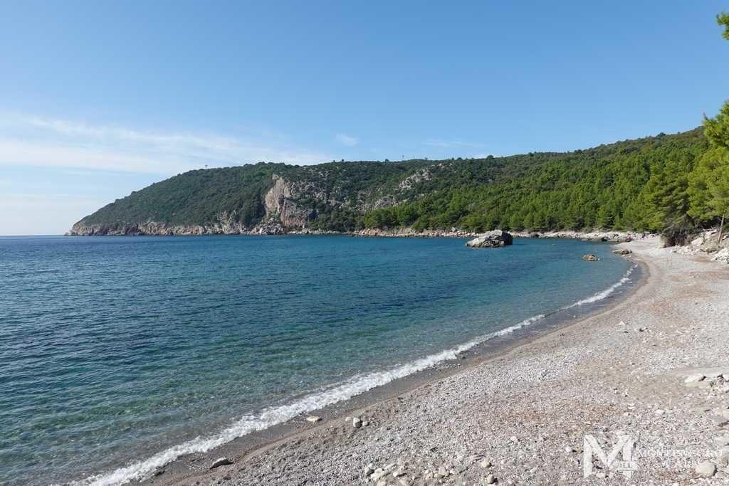 Пляжная линия и бухта