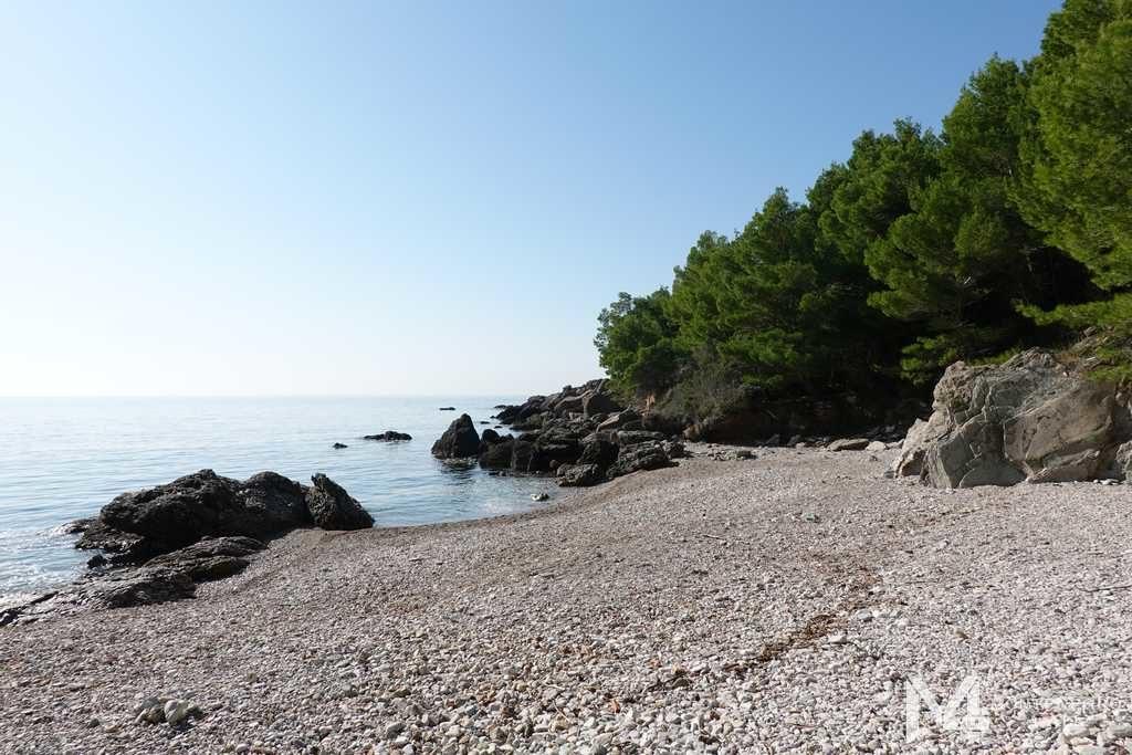 Вид пляжа Штрбина