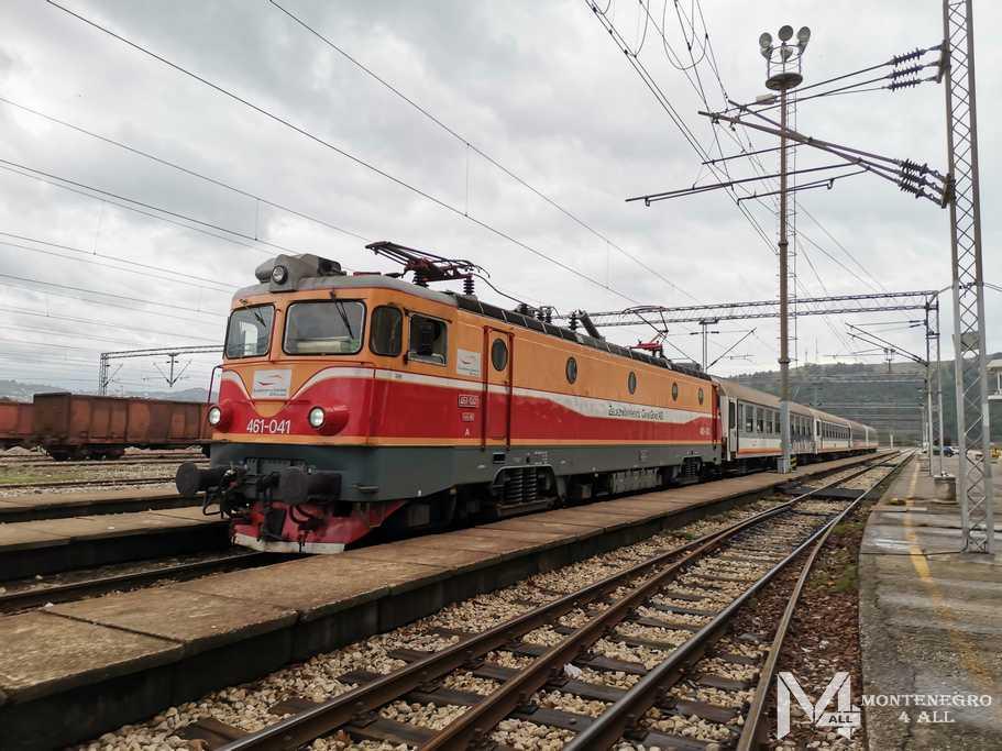В Черногорию на поезде