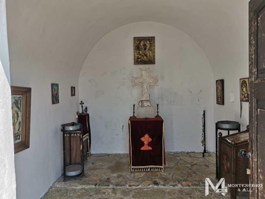 Внутри церкви Святого Воскресенья