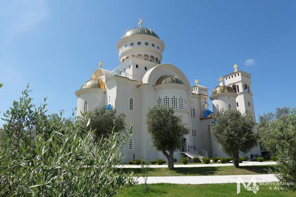Соборный храм в Баре
