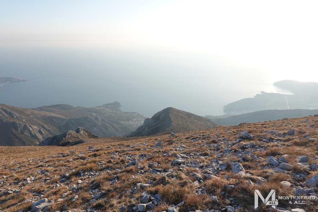 Вид с горы Врсута на Сутоморе